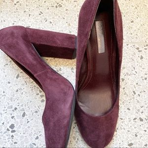 Bcbg burgundy faux suede heels